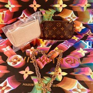 💝Authentic Louis Vuitton Mini Pochette Accessoires in Monogram